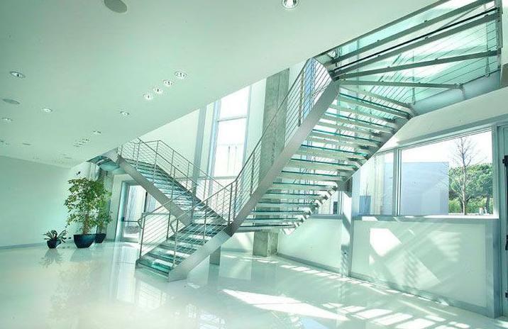 1436771935471-escaleras-de-cristal-cantabria.jpg