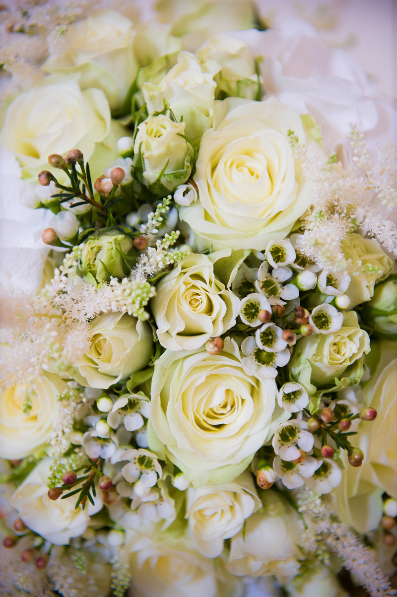 4 | Wedding Flowers | Bridal Bouquet | Wedding Photography | Pippa Mackenzie | Zouch & Lamare.jpg