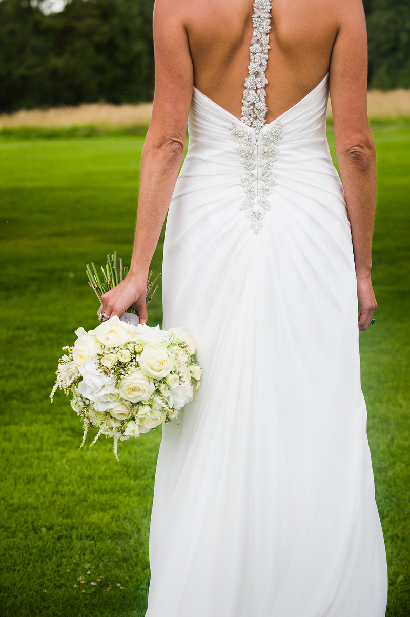 13 | Wedding Dress | Bride Bouquet | Wedding Photography | Pippa Mackenzie | Zouch & Lamare.jpg