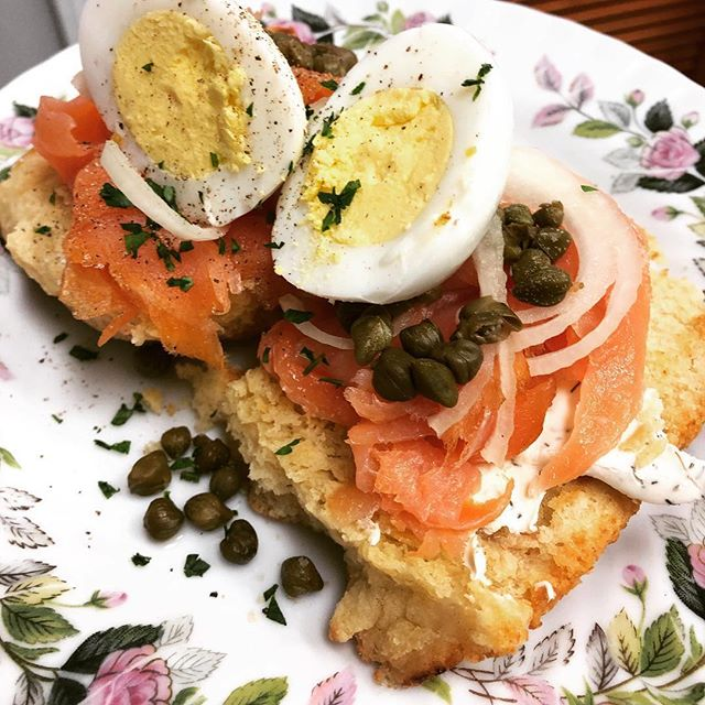 @salmoncreekcafe  brunch looks pretty bomb... they also carry a selection of our @high5pies in their case ever day.. go check them out!  #salmoncreekcafe #high5pie #sameowners #sistercompanies #womenowned #womenrun #delicious #seasonal #burien #westseattle #seattle #washington