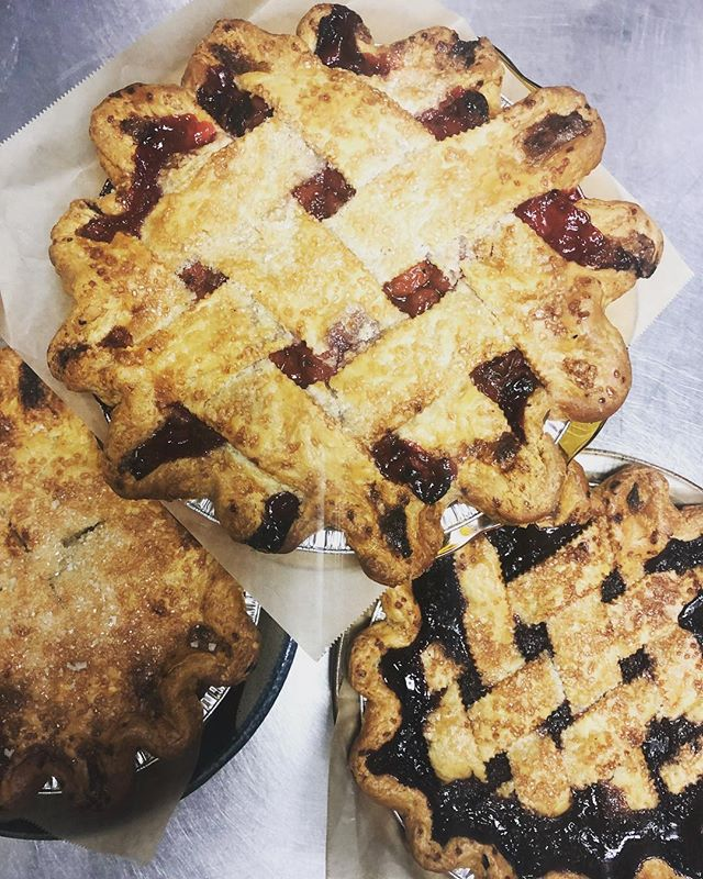 Don't forget to order those holiday pies! Go to www.high5pie.com to place your order OR call @salmoncreekcafe 2062444303, delivery available! #salmoncreekcafe #high5pie #thanksgiving #pies #pieclub #piestyle #pielife #nobaking #freshlybaked #callnow #order