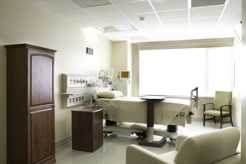 HEALTHCARE / HOSPITALS