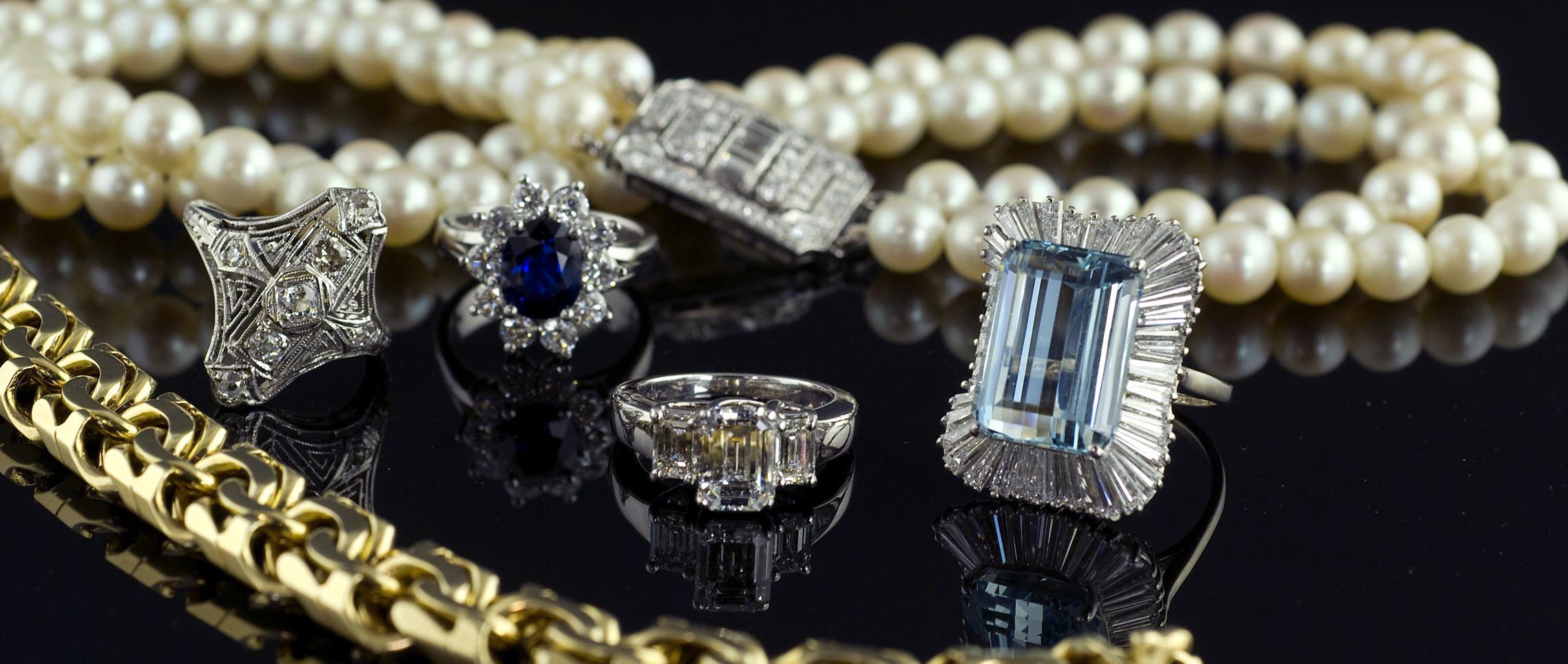 Krombholz is now accepting gently worn jewelry on consignment.