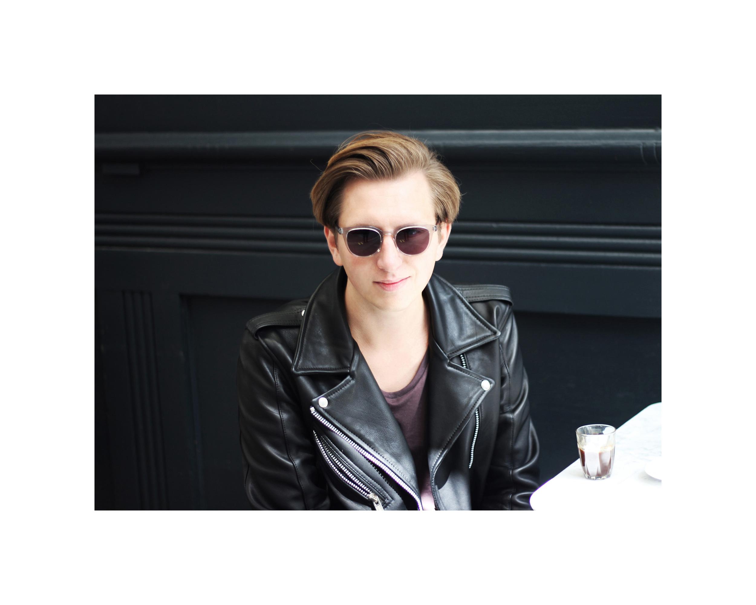 leather_jacket_cofee_brunch
