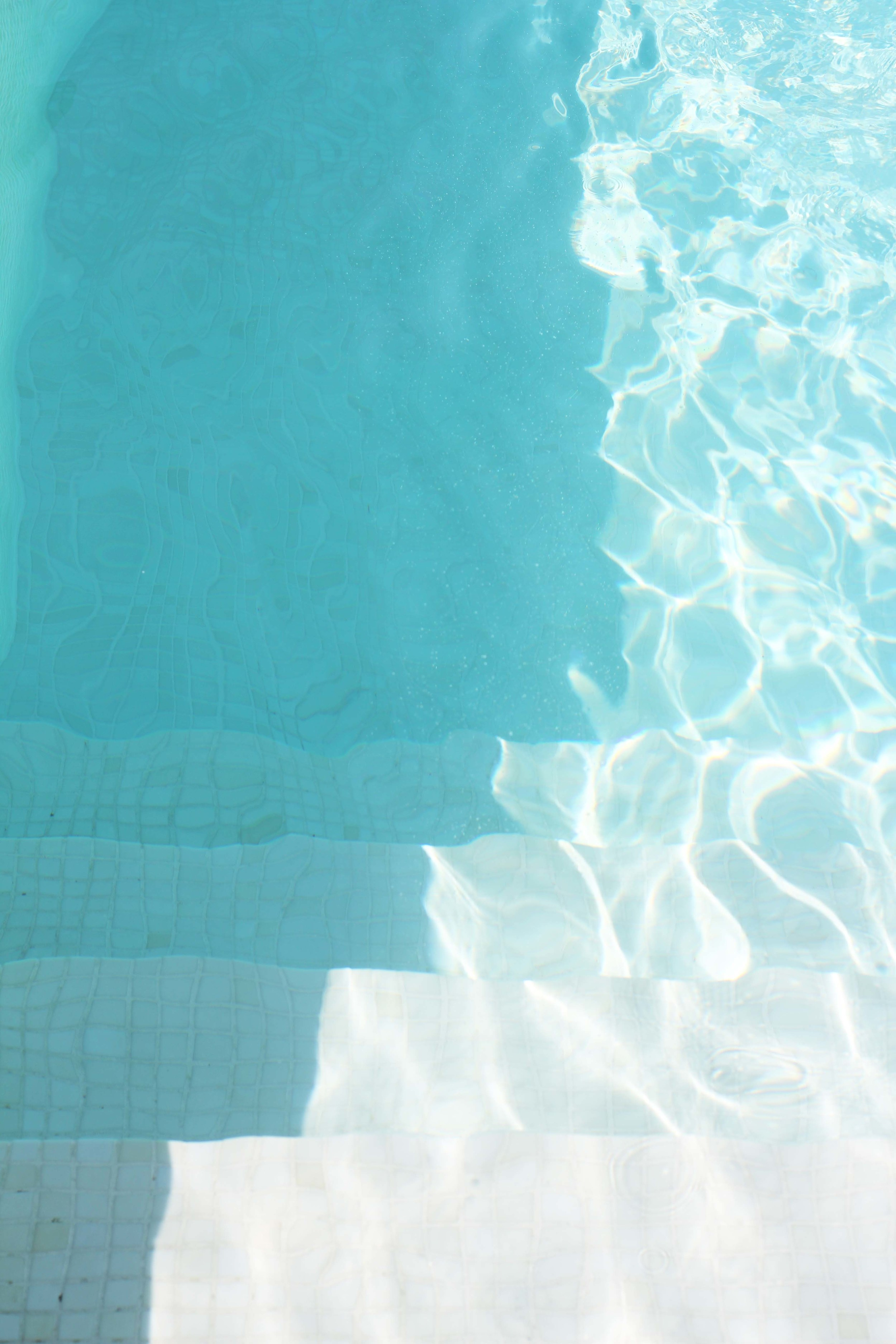 pool_france_summer_holiday