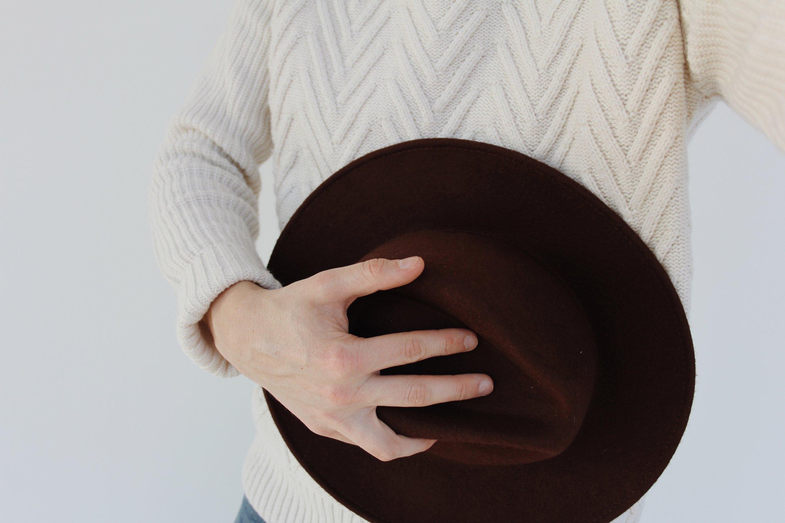 fedora_winter_sun_knitwear