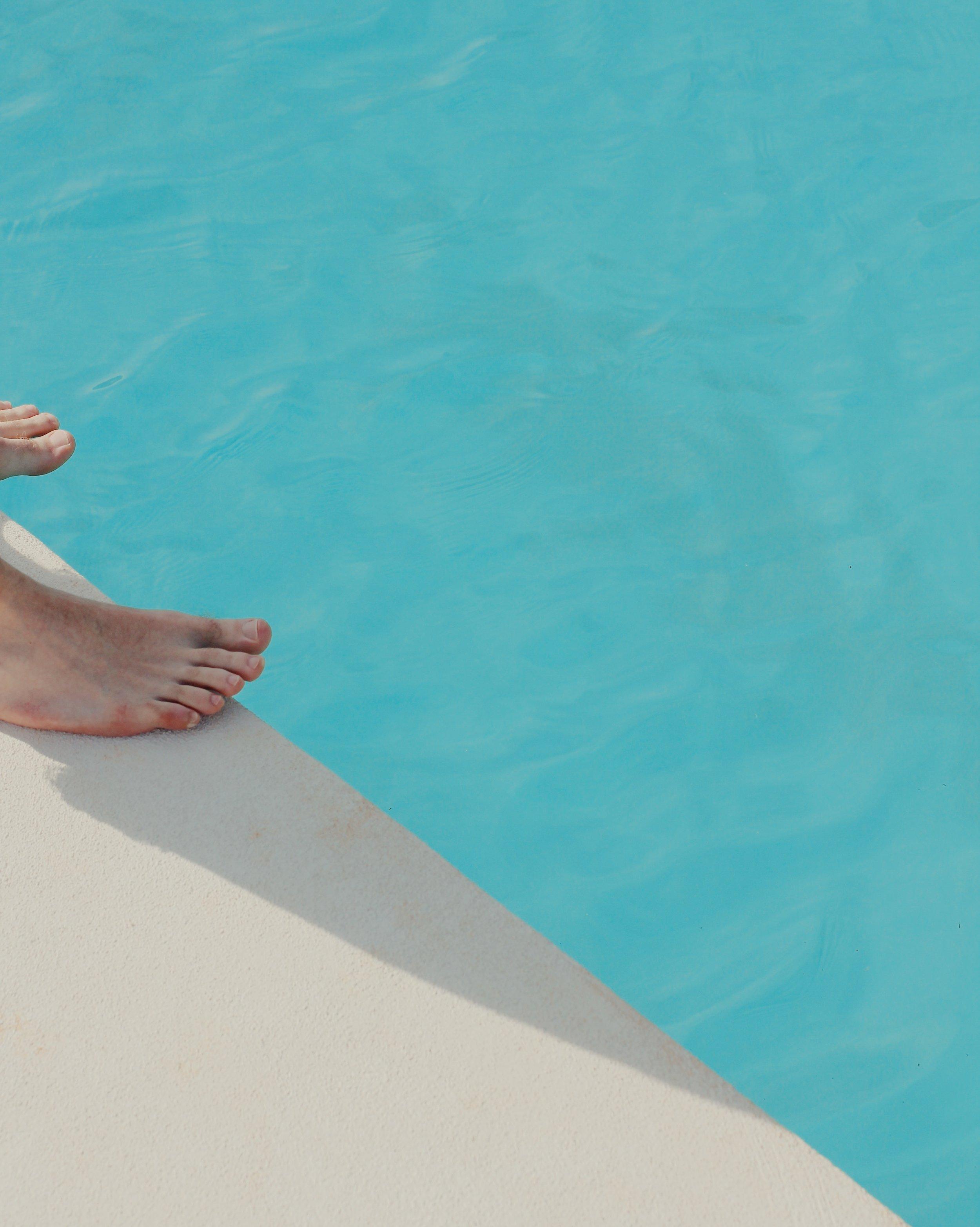 poolside_ostuni_italy_puglia_masseria_moroseta