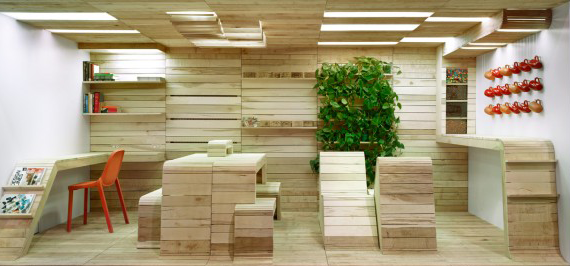 The Pop-Up Office installation was located at 401 Richomond St., Toronto.