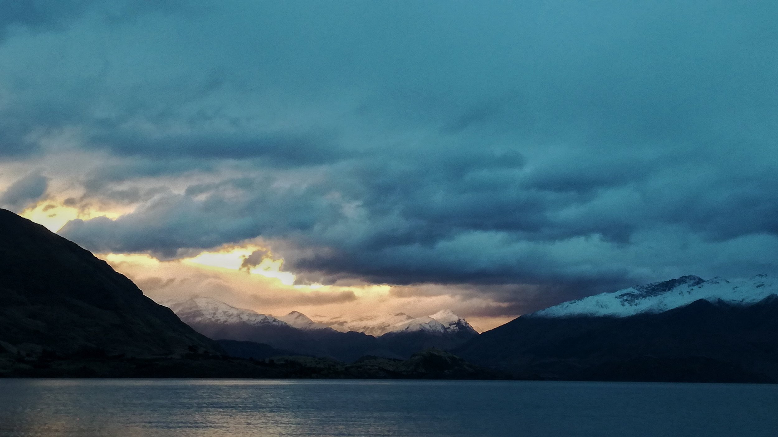 The sunset over Lake Wanaka was truly incredible!