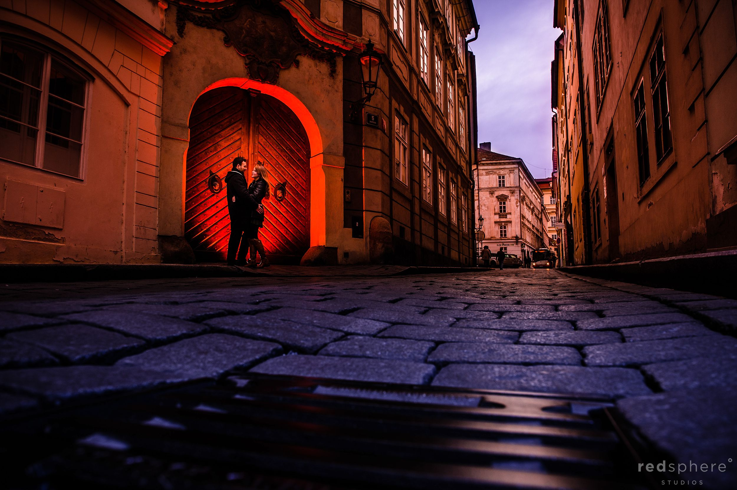 Engagement at Old Town Prague, Silhouette