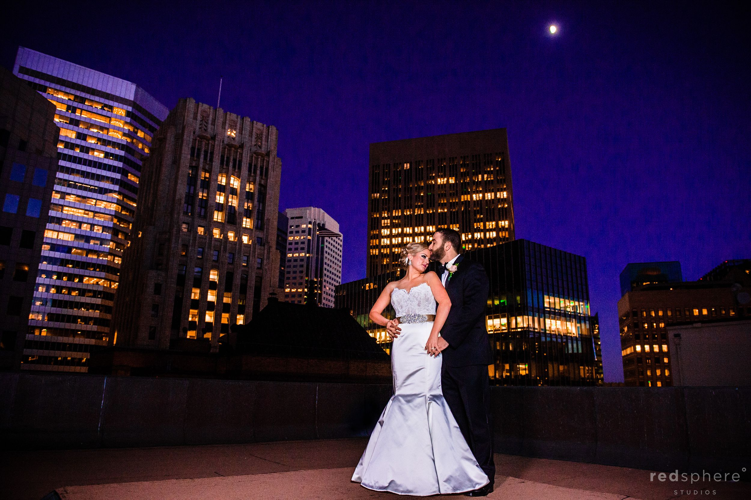 Bride and Groom Wedding Photos at City Club San Francisco, Full Moon, Twilight Hours