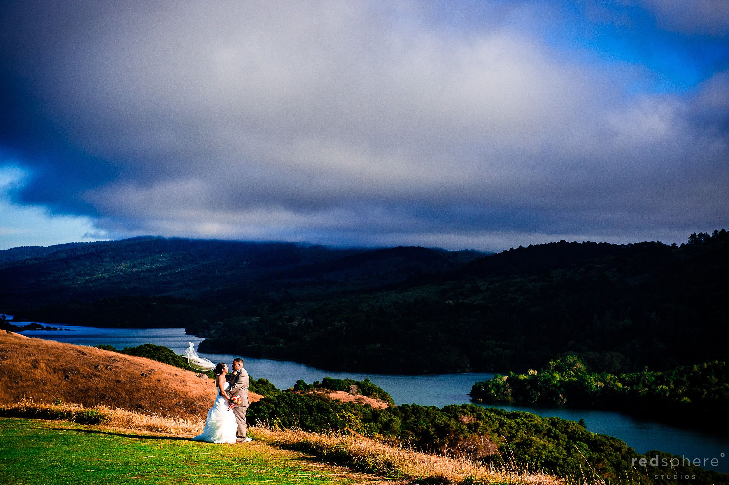 Bride and Groom Wedding Pictures on Crystal Springs Golf Course