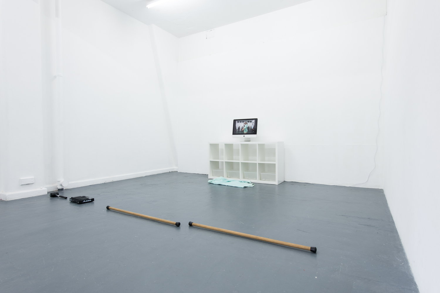 Jonathan Homsey,  Fragments and Remnants,  four HD digital video recordings, pottery, pottery shards, 2017, installation view. Photo Nick James Archer. Courtesy the artist.