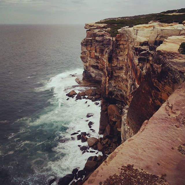 How stunning is the Australian coastline! Pictured here South of Sydney in The Royal National Park. . Thank you @bundeenakayaks for an awesome day exploring the South. ✌ . #thetravelheads #bundeena #bundeenakayaks #coastline #newsouthwales #south #sydney #theroyalnationalpark #travel #australia #travellerau #lonelyplanet #cliff #cliffface #explore #beautifulview #lovetotravel #explore #bucketlist #beach #surf . @sydney  @australia . Photo Credit . @thetravelheads