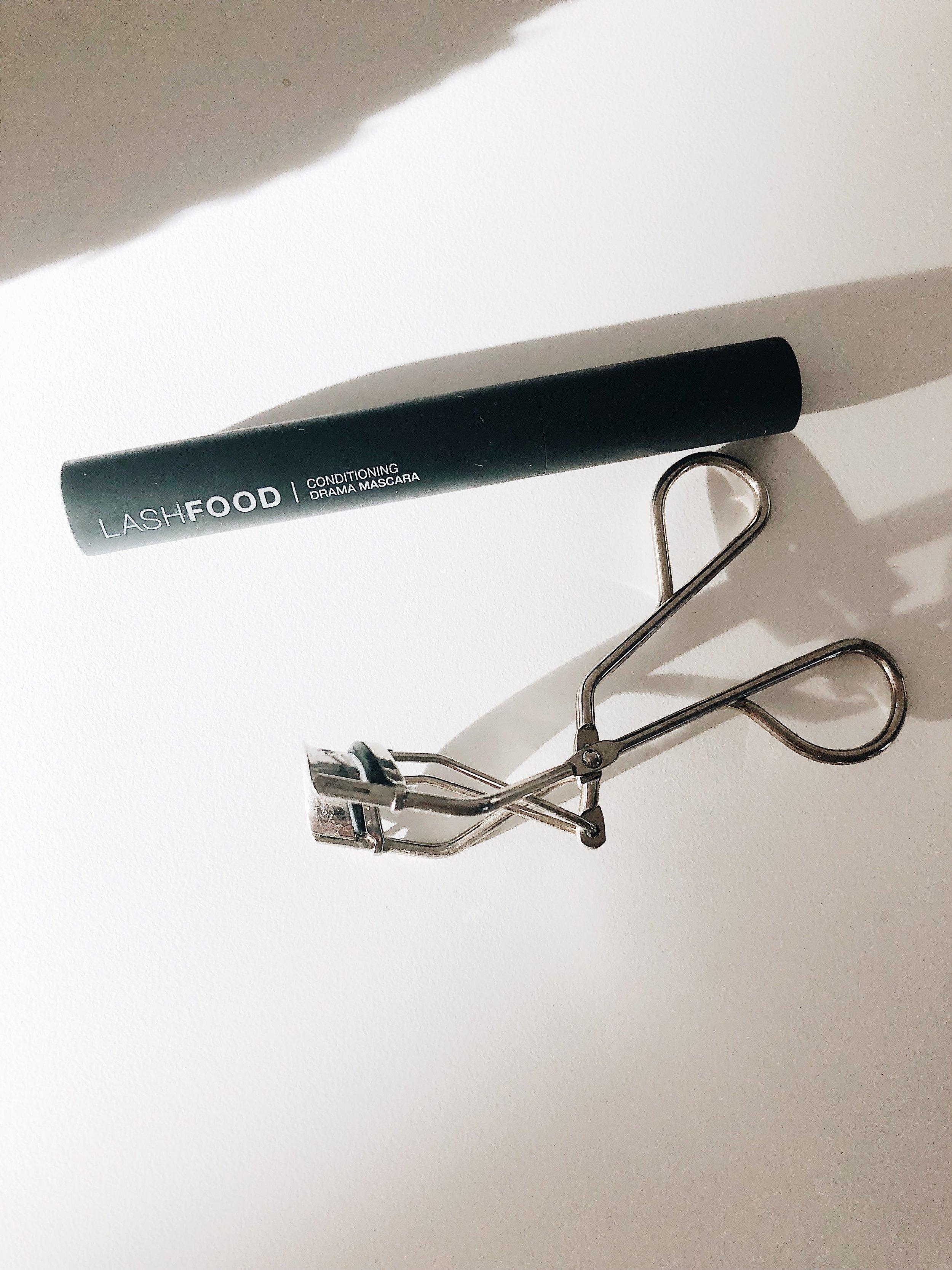 Curl + apply LASHFOOD mascara.
