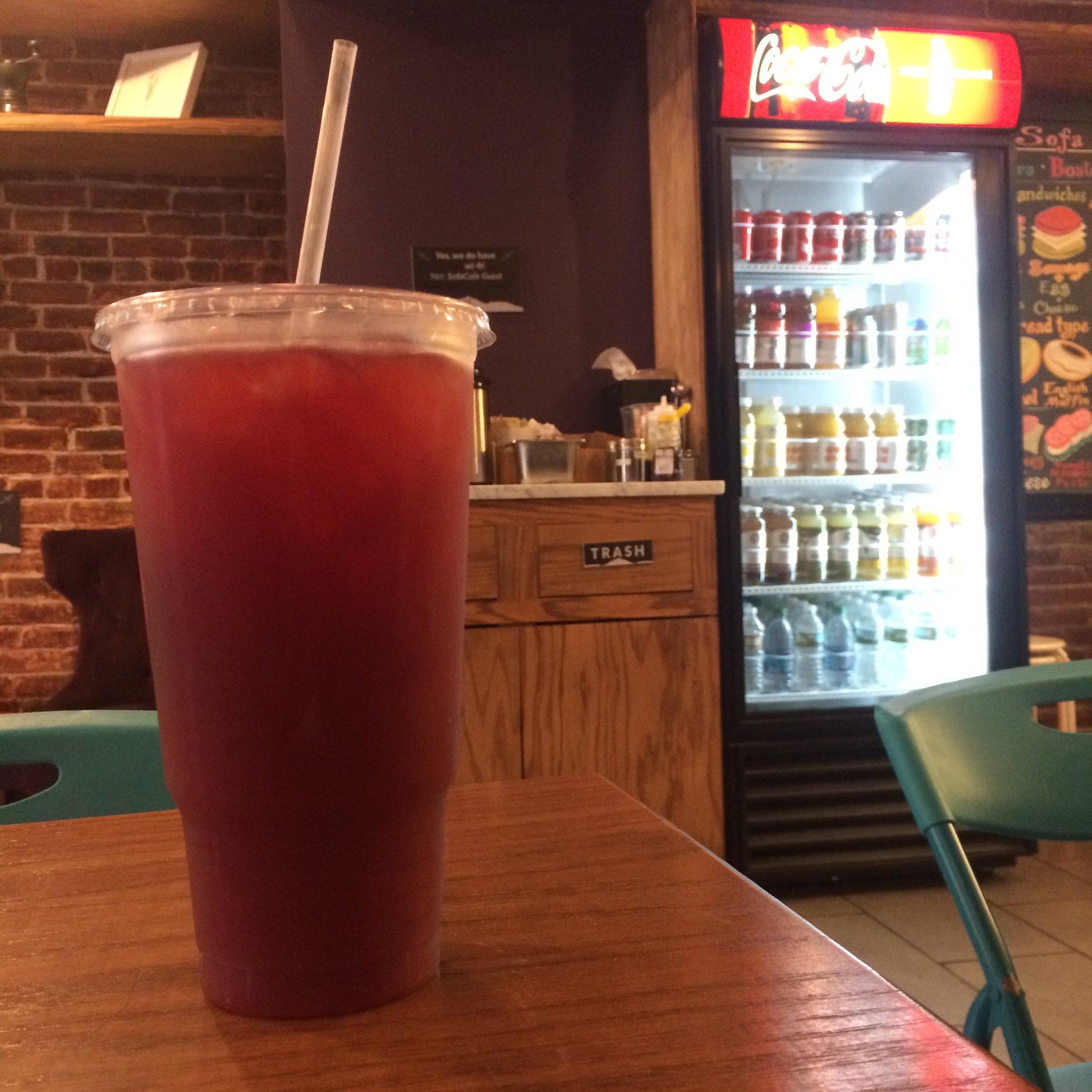 Sofa Café Iced Berry Tea