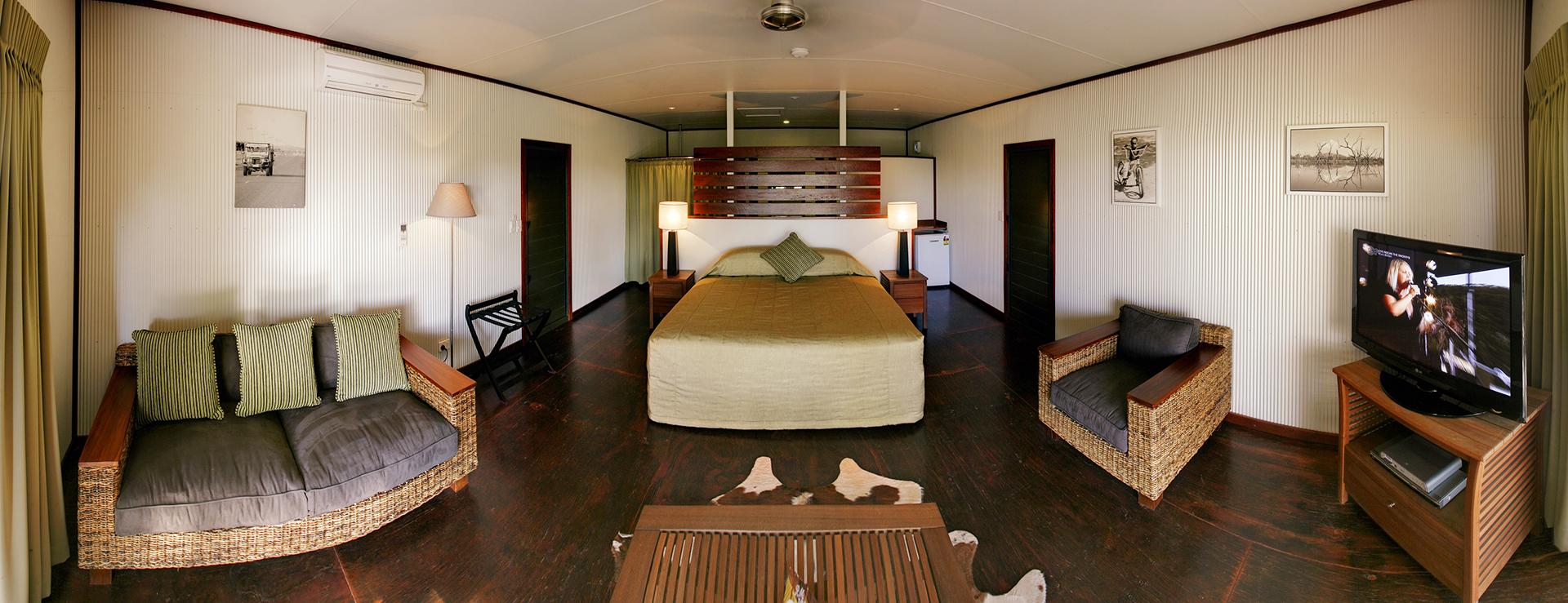 Home ValleyAccommodation Grass_Castles_0002.jpg