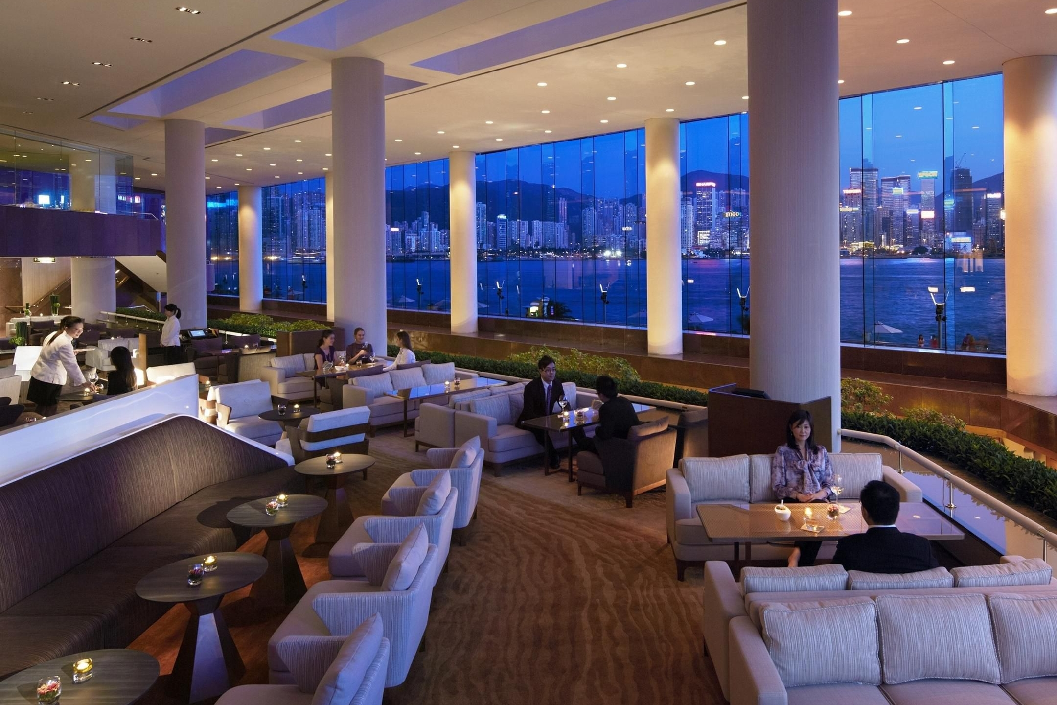 INTER-CONTINENTAL LOBBY LOUNGE -