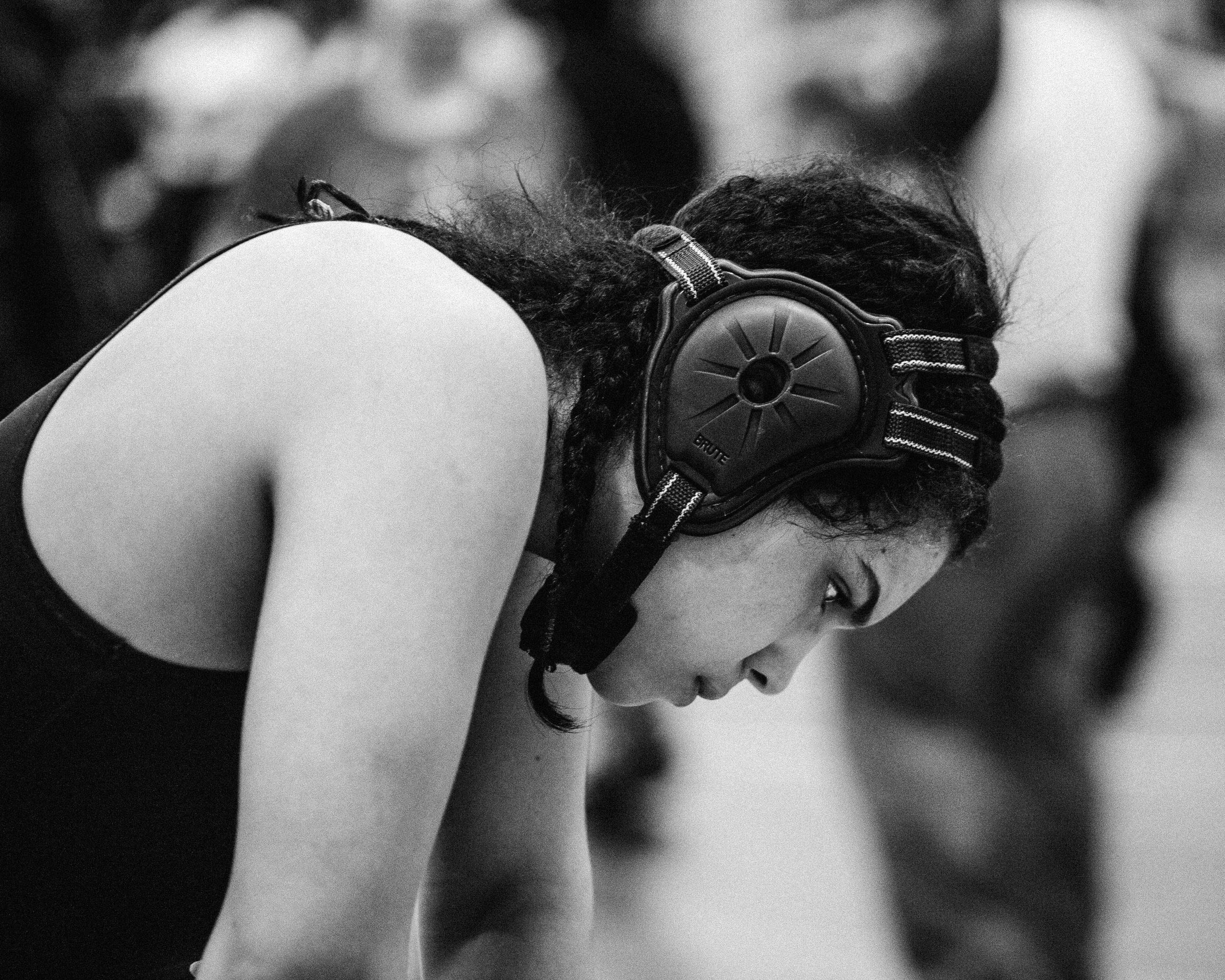 Andreina Rodriguez preparing for a match at the Francis Lewis Tournament, April 2016. By Laurel Golio.