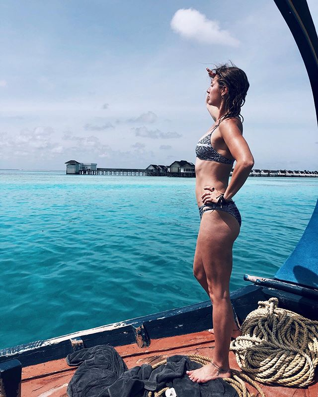 💫🌞'THERE'S A LINE WHERE THE SKY MEETS THE SEA AND IT CALLS ME!!!' *sang really loudly every morning at 6am sharp. High chance I could be banished from this here island at any minute. #foghornleghorn #candidonaboat 💫🌞 📷my gal @fayemcnulty . . . . . . . . . . . . . . . . . . . . . . . . #maldives #goexplore #wanderlust #planetearth #roxy #adventure #indianocean #candid #islandlife #candidonaboat #foghornleghorn #allaroundtheworld #paradise #travelwriter #traveljournalist #passionpassport