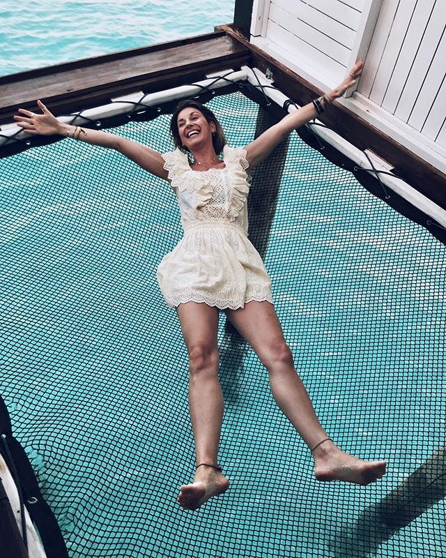 💫TOTAL FREEDOM FEELING💙💫 . . . . . . . . . . . . . .. . . . . . #maldives #islandlife #indianocean #watervilla #planetearth #goexplore #traveljournalist #travelwriter #livewhatyoulove #clichehashtags #goexplore #allaroundtheworld #traveltolive #paddionpassport #beachcafe #loveshackfancy #ozenbyatmosphere
