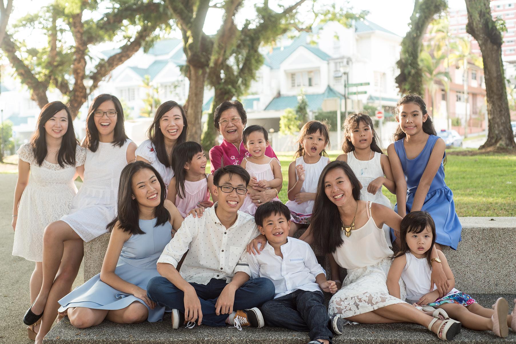 big-singapore-family-06