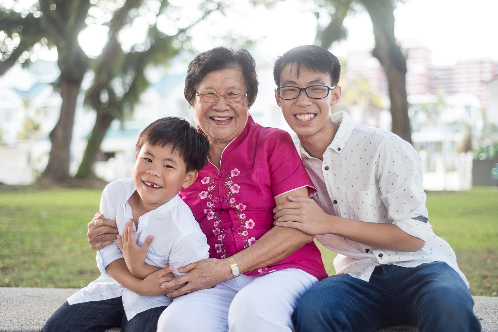 big-singapore-family-07