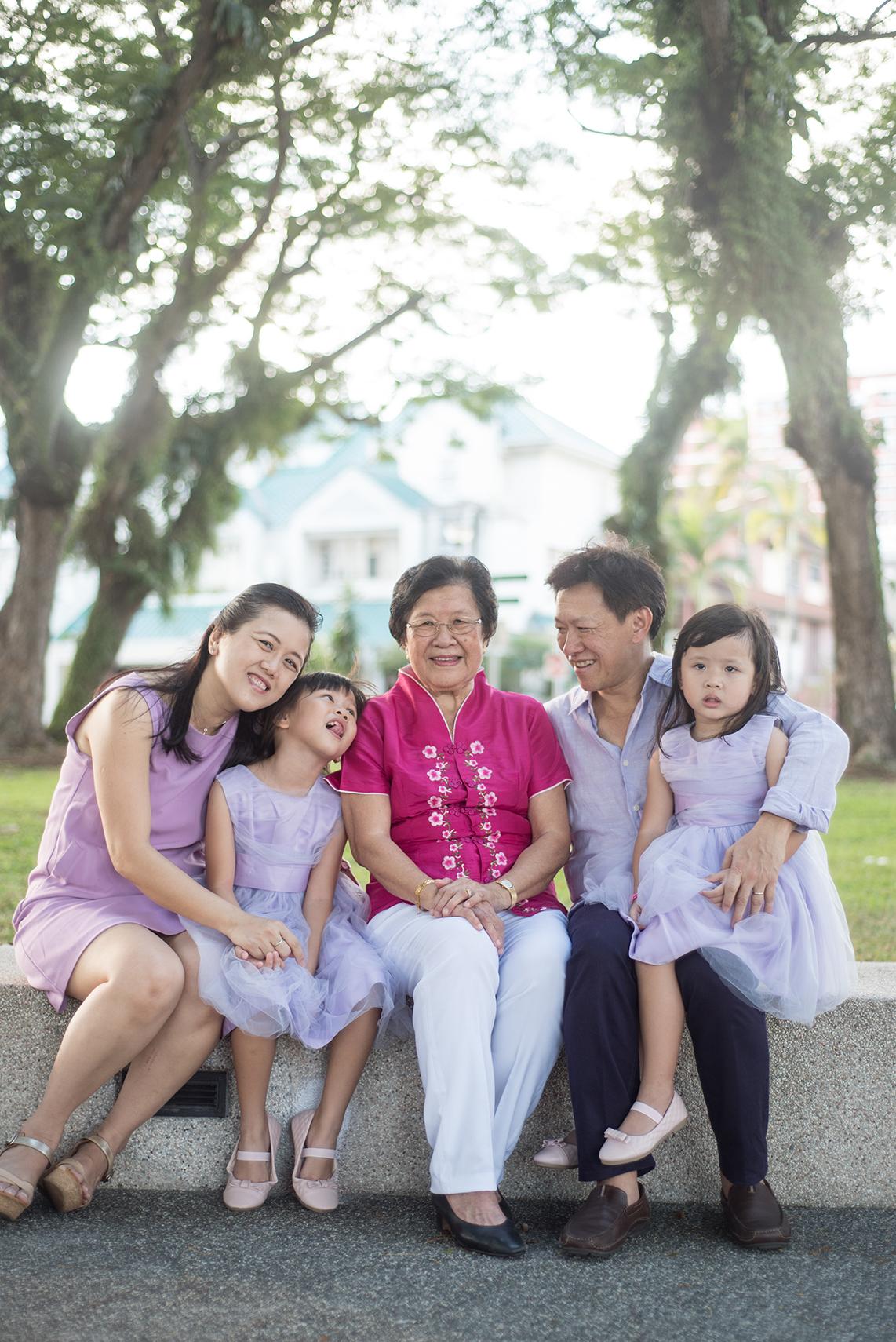 big-singapore-family-10