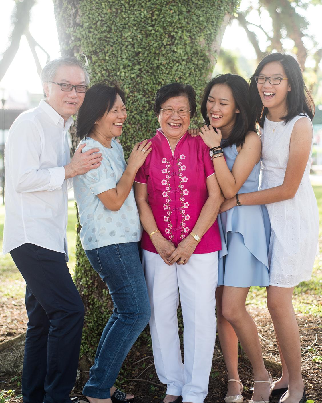 big-singapore-family-11