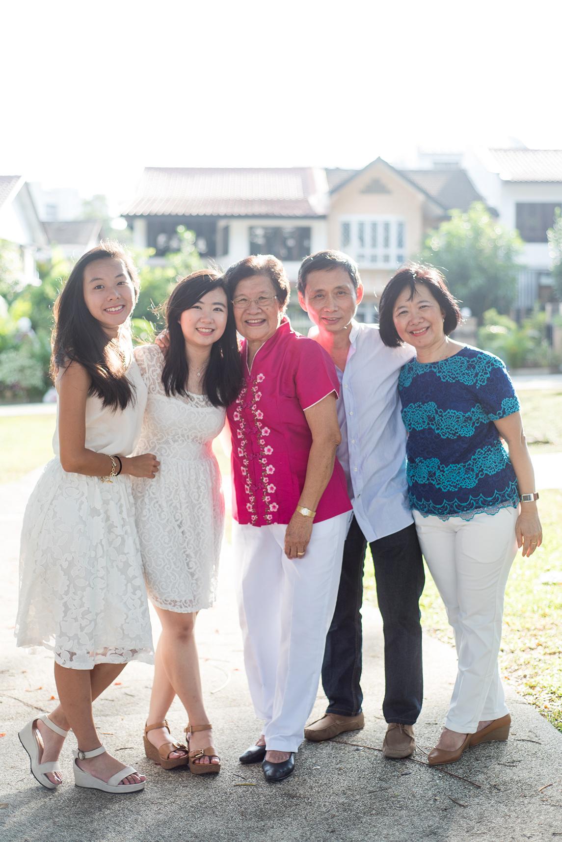 big-singapore-family-12