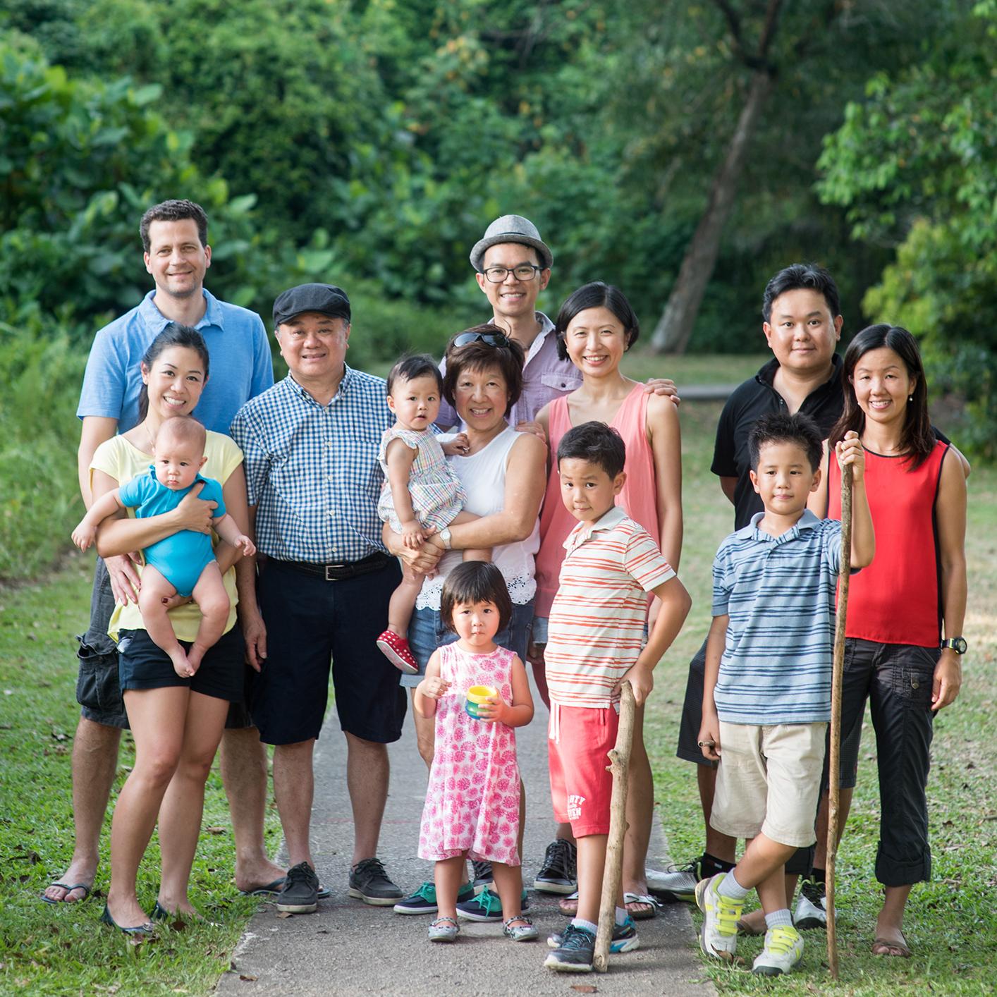 big-family-outdoor-shoot-11