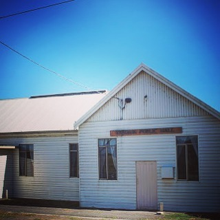This time next week we will be in this little beauty...feasting and prepping for a wonderful ocean-themed night of muical-fun. @timguy_  just confirmed as support! Follow link in bio for more info!