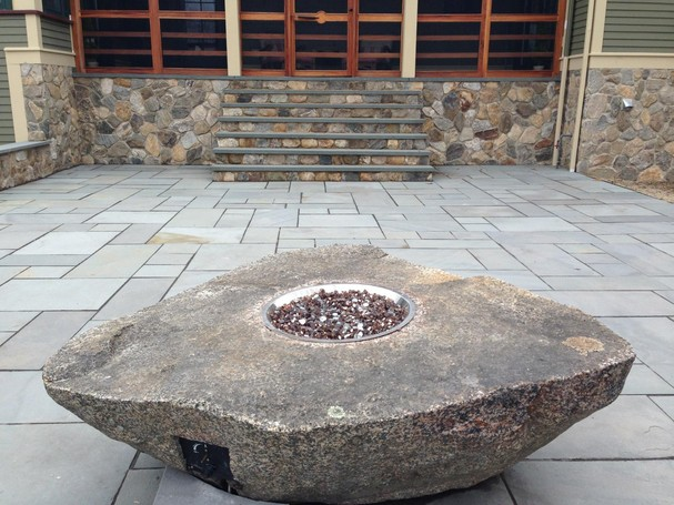 Outdoorfire_boulder_PA_bluestone2_455_815.jpg