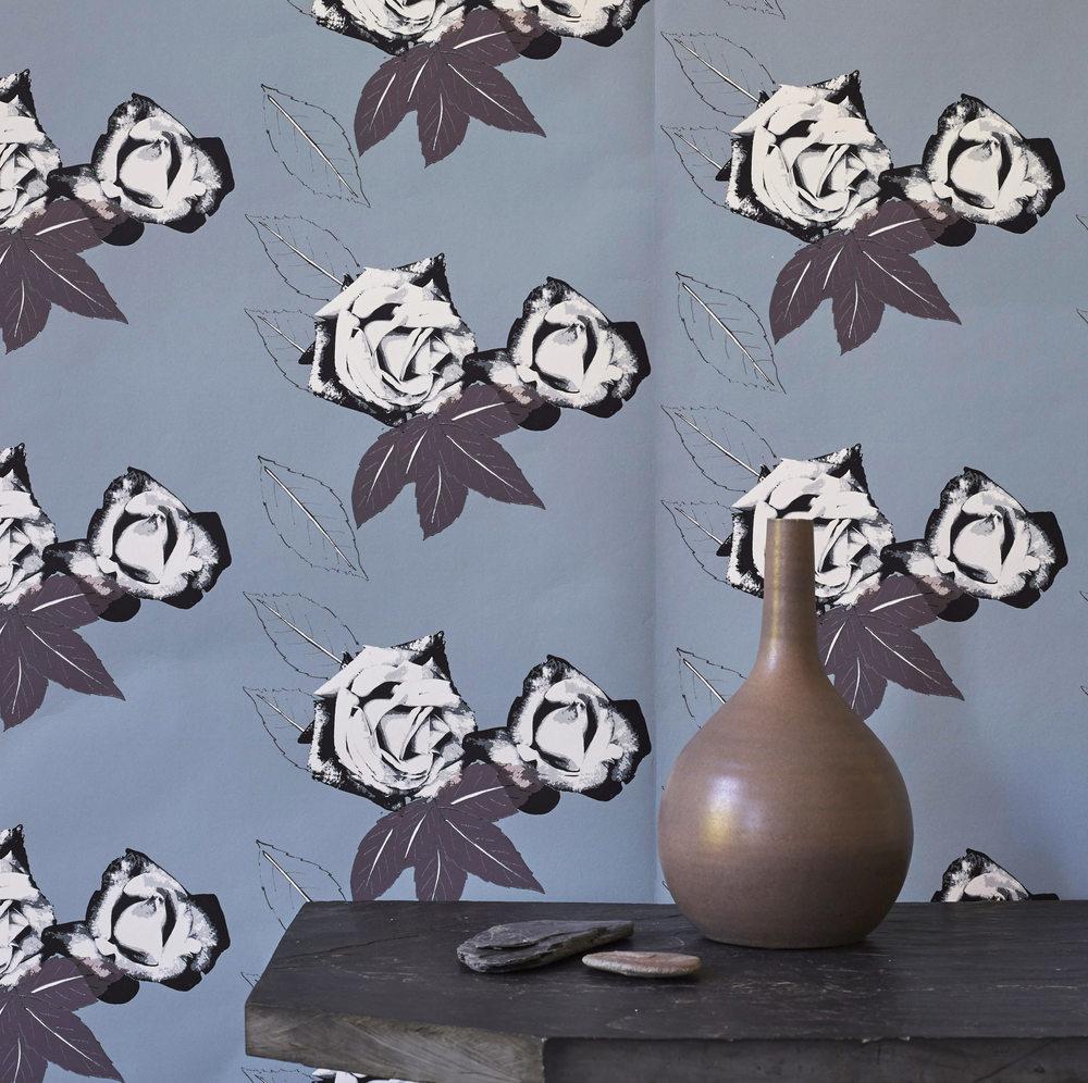 roses+wallpaper+in+grey.jpg