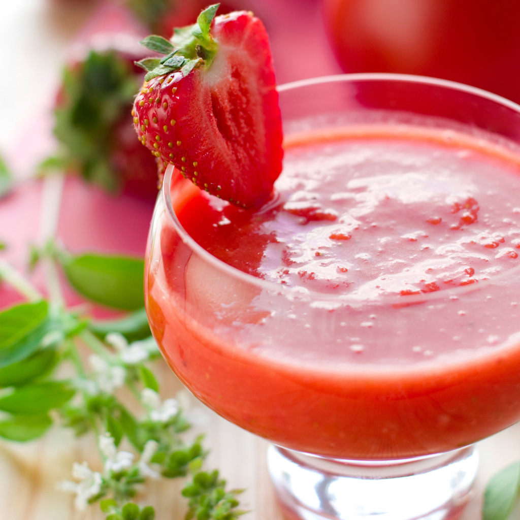 Strawberry Sweet Spicy Tomato Gazpacho
