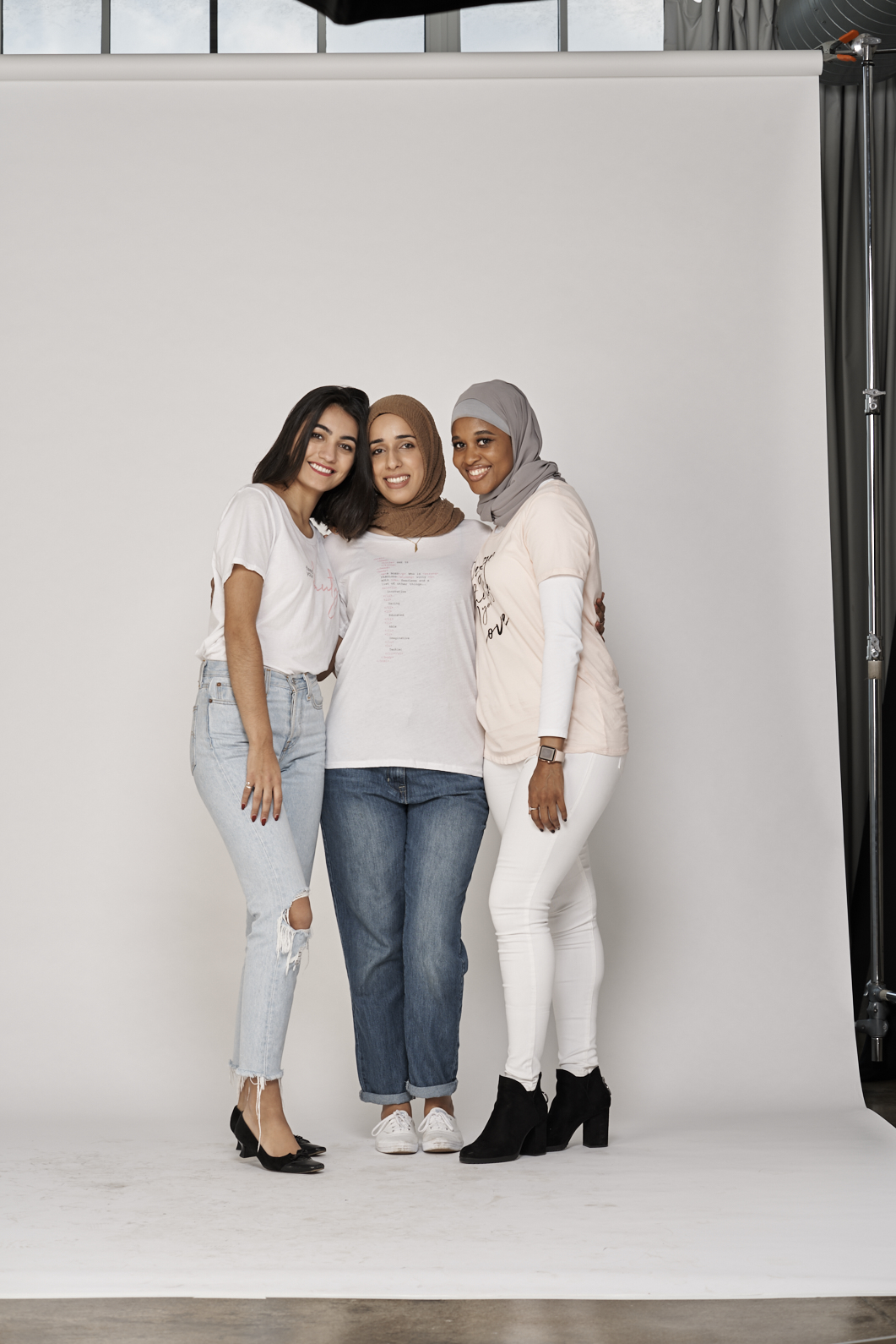 Yasmeen (middle) with two other inspiring women in the My Social Canvas Design the Life You Love community! Emma (far left) and Ameenah (far right)