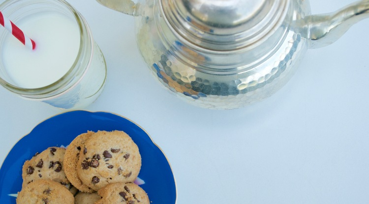 intuitive-eating-cookies-and-milk.jpg