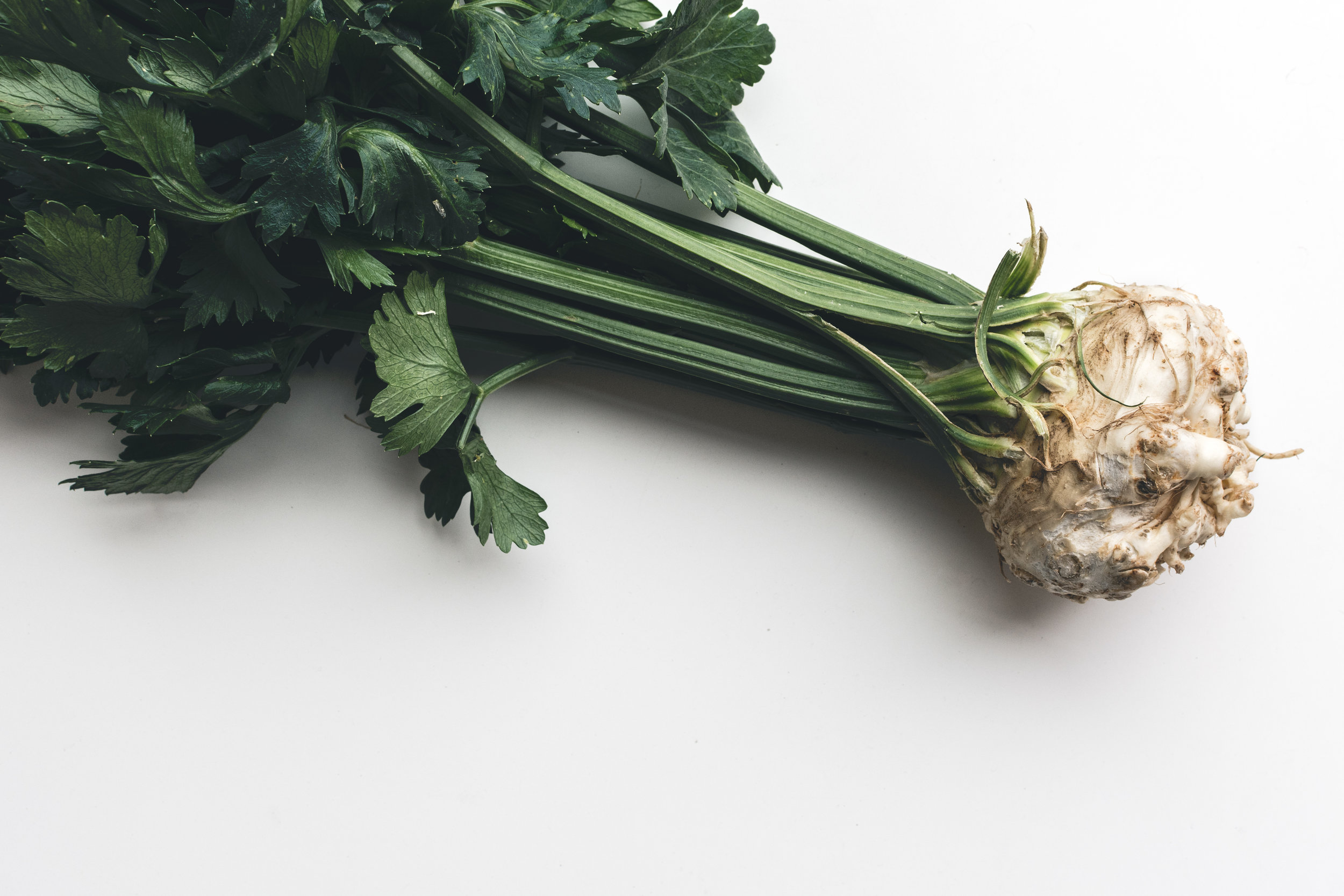 foodiesfeed.com_wonderful-healthy-celery.jpg