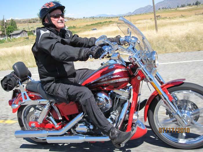 Riding my Screamin' Eagle Dyna in Winthrop WA