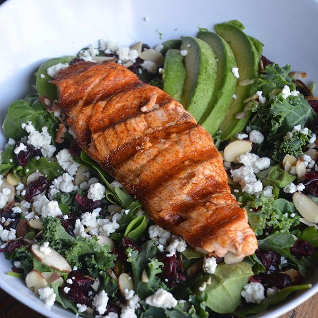 Mother's Day is Sunday and we have a delicious new Salmon Salad added to our menu!! Come celebrate your mom with us! #salmonsalad #salmon #mothersday #eatfish #fishhouseveracruz #northcountysd
