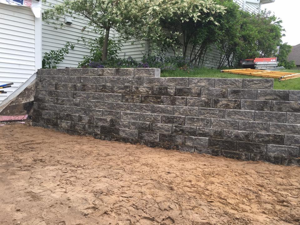 retaining wall 2.jpg