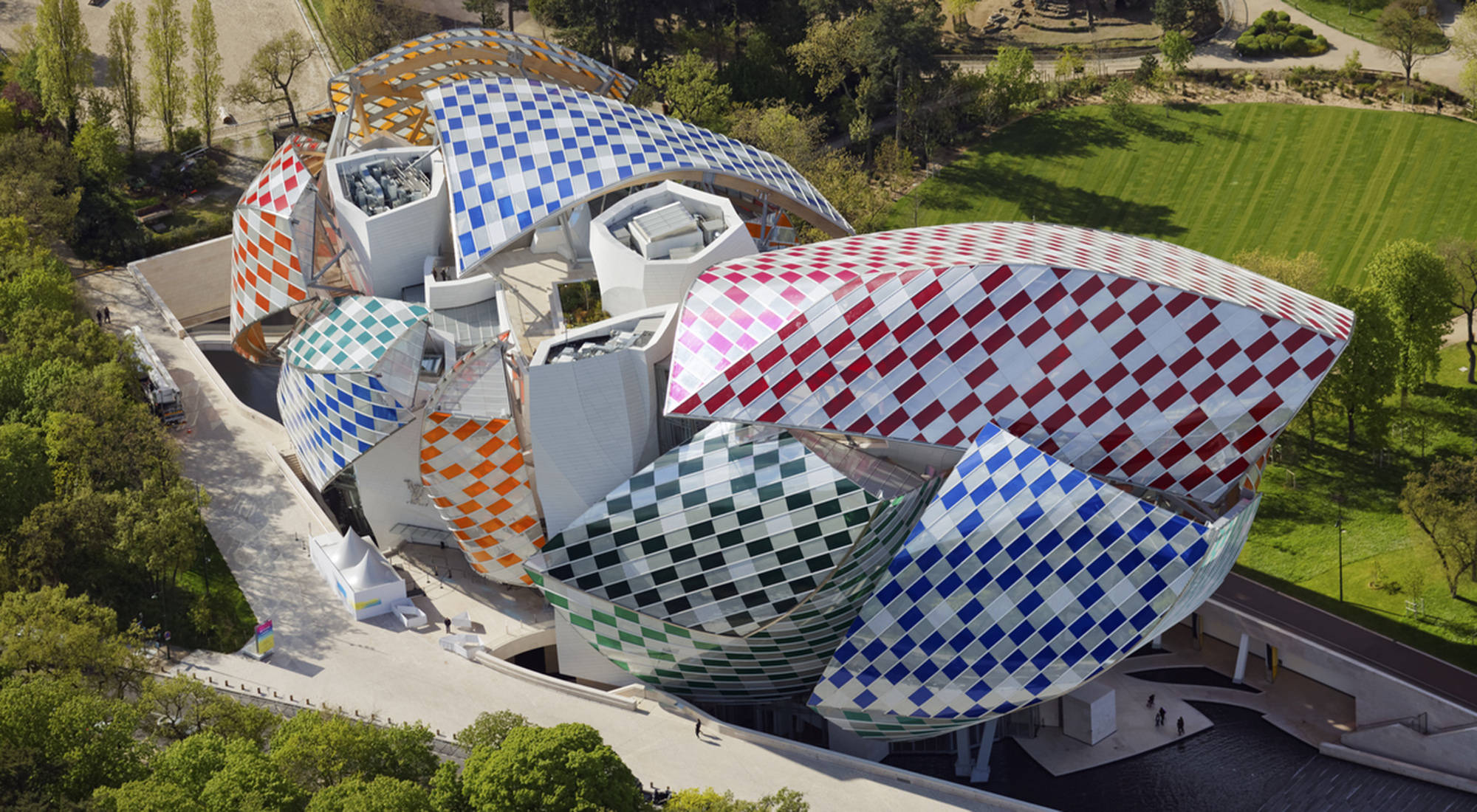 Fondation Louis Vuitton, opened in 2014