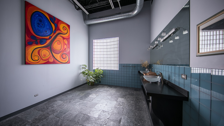 ApartmentStage_Bathroom2.jpg