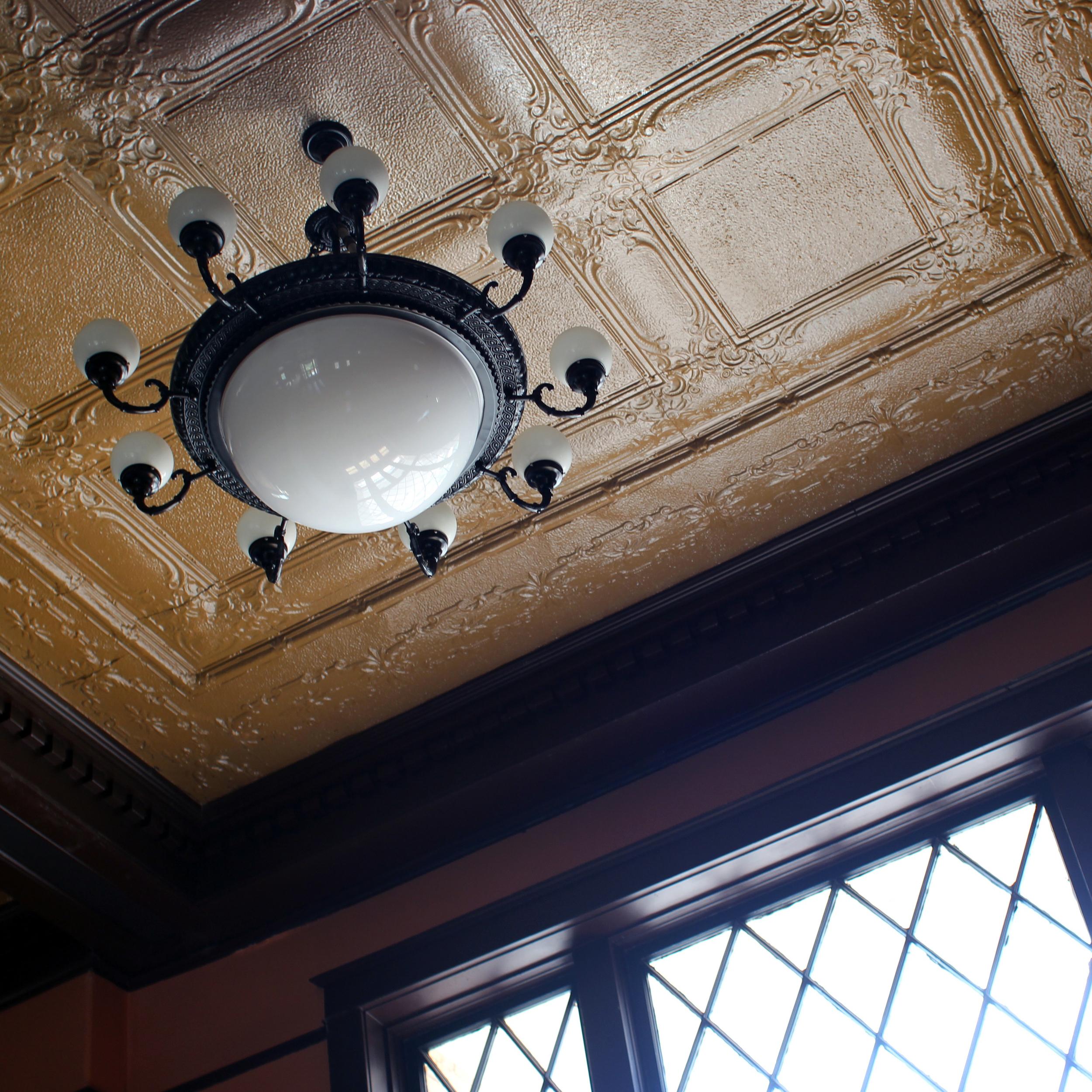 water-valley-yalobusha-courthouse-ceiling.jpg
