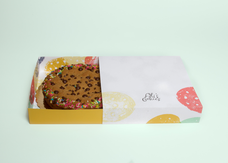 Caitlin-Mee_Ali-Cookies-Packaging_2.jpg
