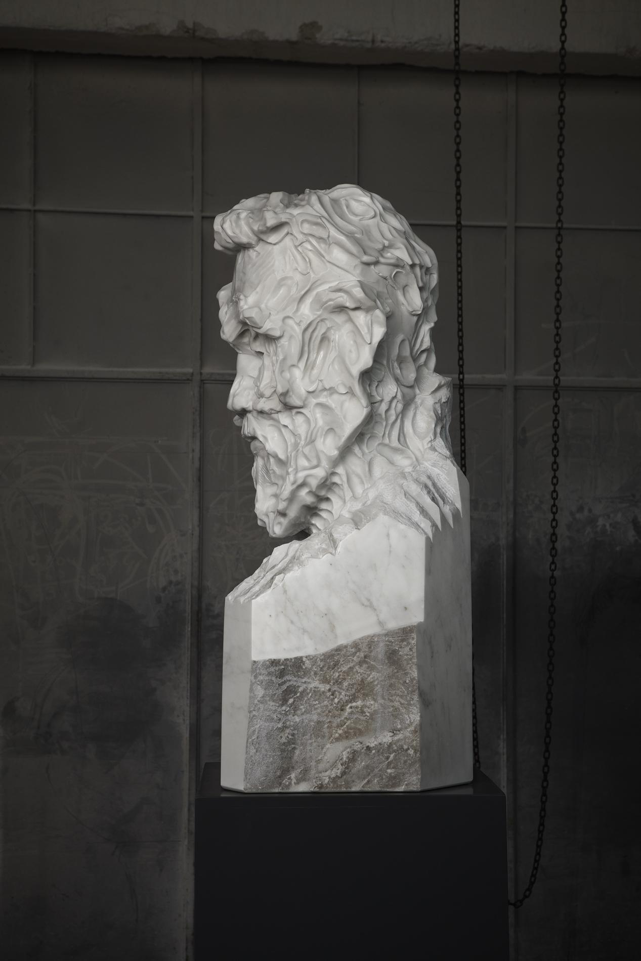 Bearded Man Statuario medium 04 closed lev.jpg