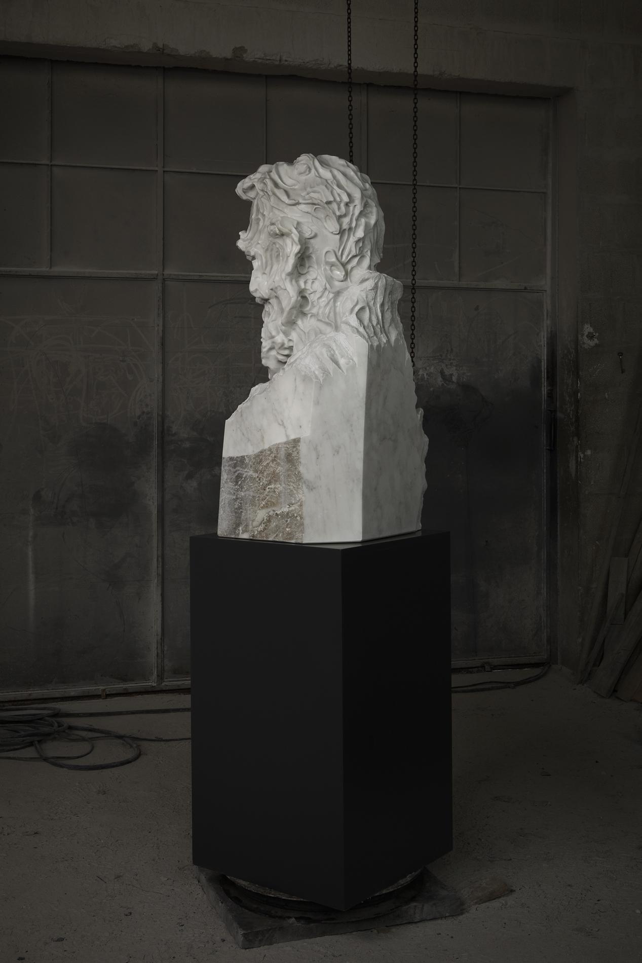 Bearded Man Statuario wide 04 closed lev.jpg