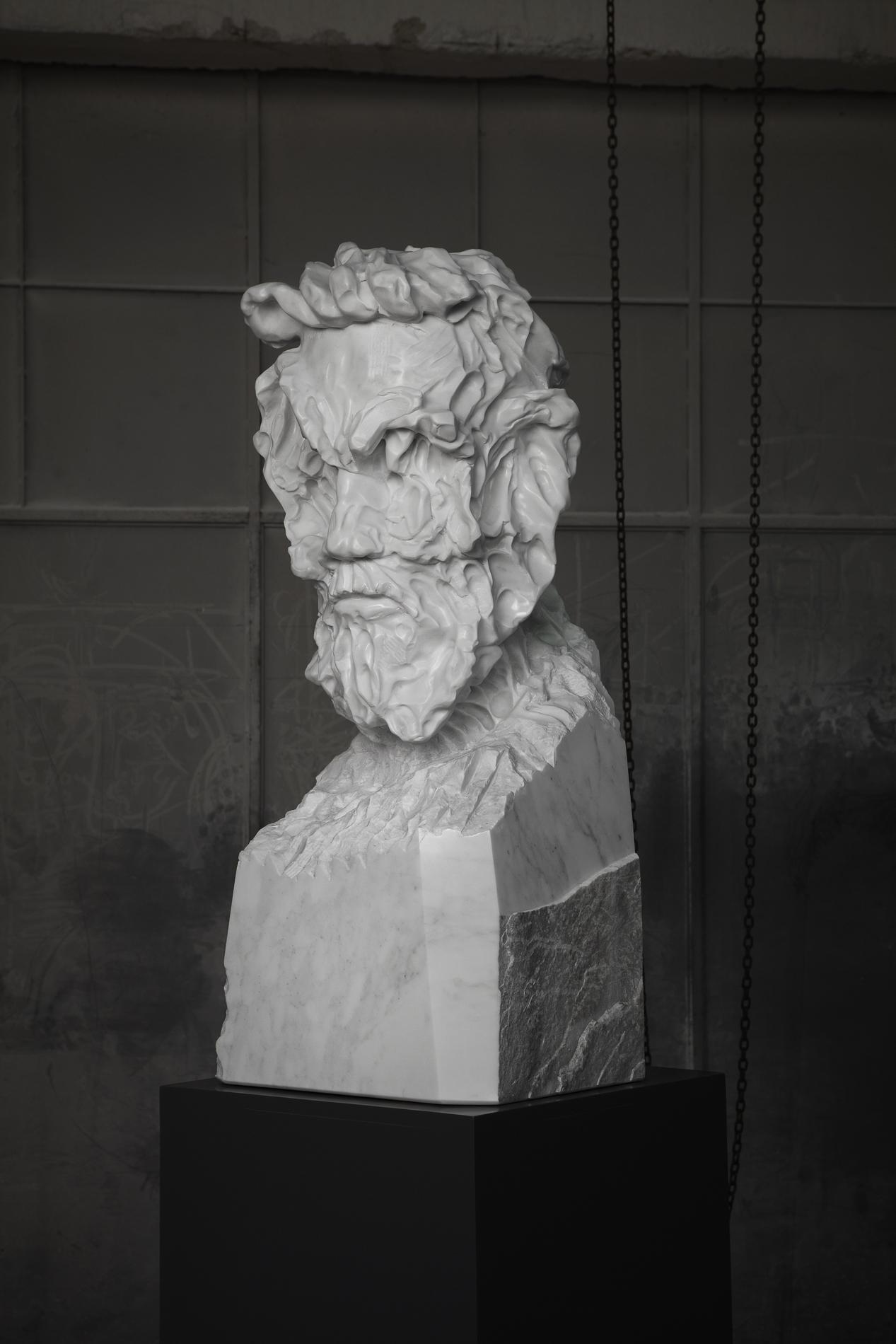 Bearded Man Statuario medium 03 closed lev.jpg