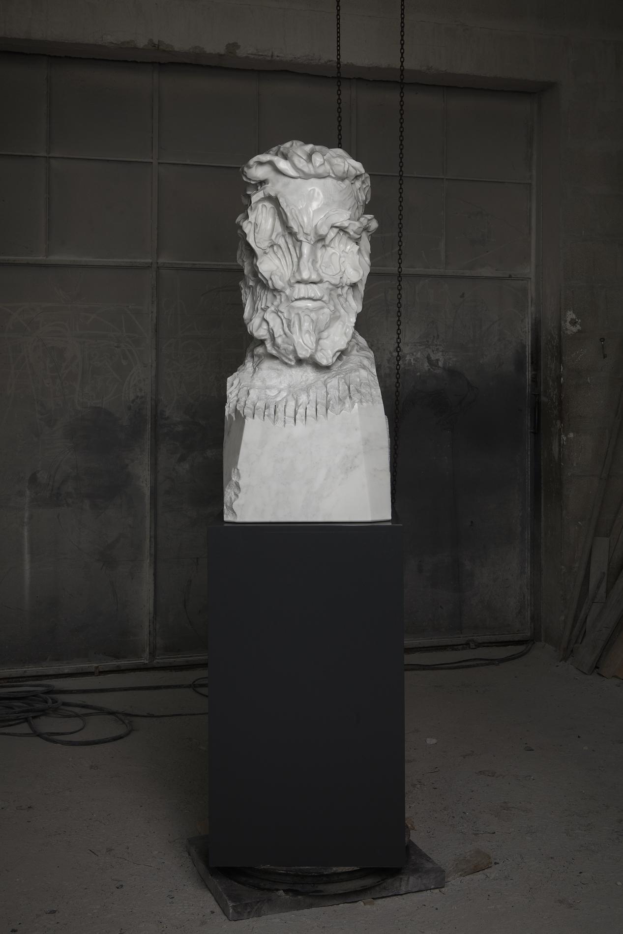 Bearded Man Statuario wide 01 closed lev.jpg