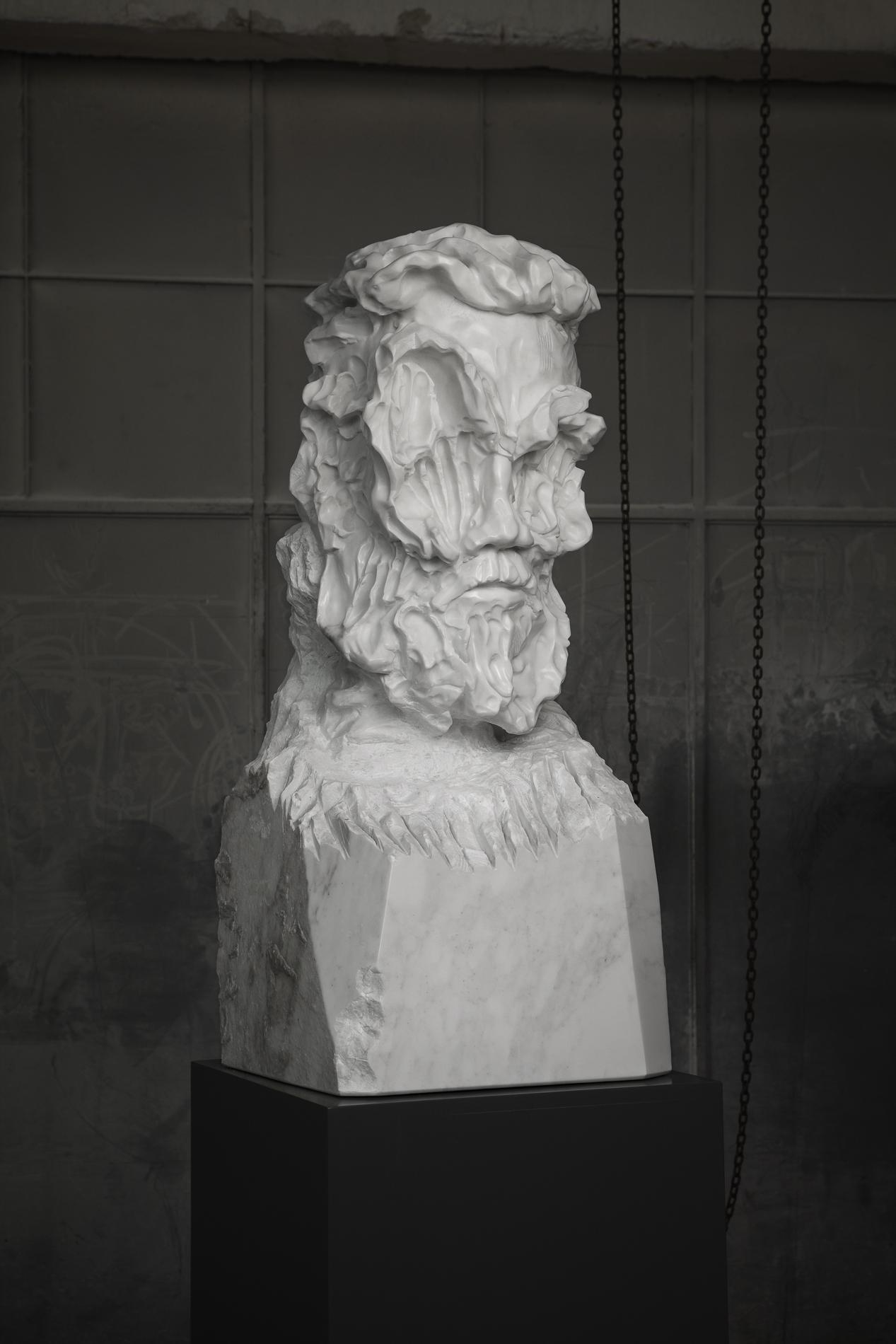 Bearded Man Statuario medium 01 closed lev.jpg